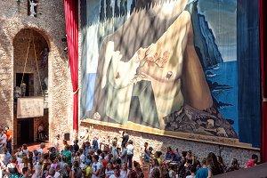 Tourists inside Dali Theatre-Museum