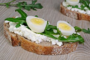 Sandwich with ricotta, egg