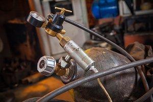 metal gas cylinder