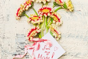 Mothers day card with Pretty flowers