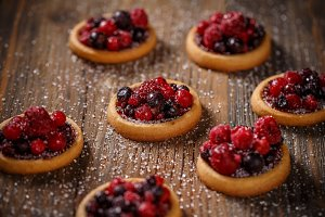 Berry tartlets dessert