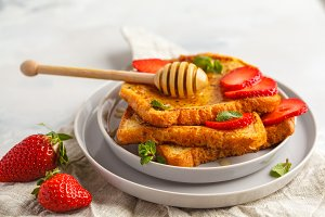 French toast with honey and strawber