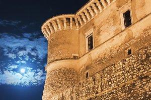 night view of the Alviano castle