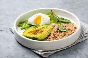 breakfast with quinoa and vegetables