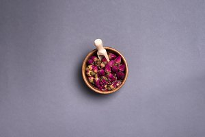Dried rose petals: for tea, alternative medicine, pot-pourri.