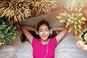 Girl Relaxation via Music