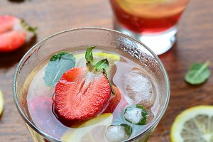 Strawberry and lemon Iced Tea