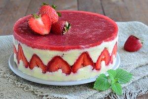 Strawberry cake, Fraisier cake