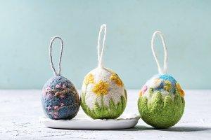 Felting Easter eggs