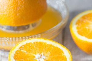 Juicing Fresh Oranges