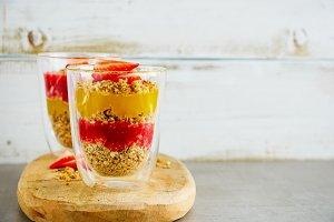 Vegan breakfast jars
