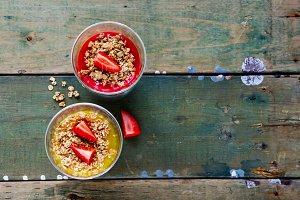 Muesli, mango and strawberry jars