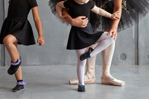 Ballerina teaches girls