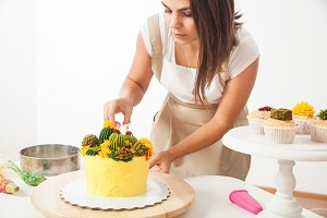 Confectioner and cake