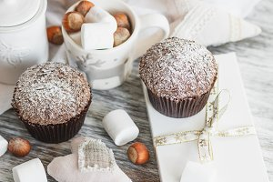 Cupcakes, nuts and marshmallow