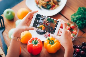 Photo food with mobile phone