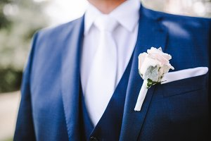 Boutonniere on groom's jacket