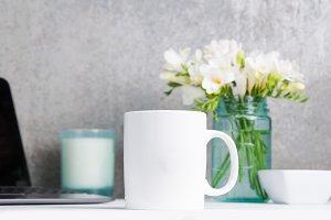 Desk Top Mug Mockup