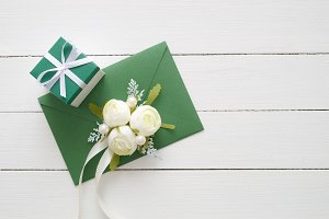 Green envelope and gift box.