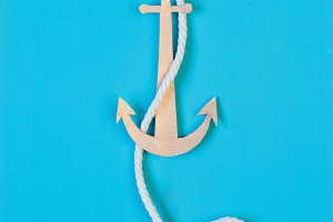 Anchor on the blue background