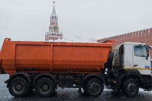 Snow cleaning -auto at the Kremlin