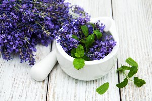 bunch of lavender on a old wooden ba