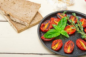 baked cherry tomatoes 024.jpg
