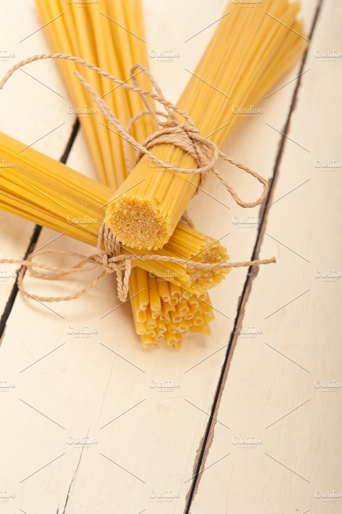 Italian raw pasta 023.jpg - Food & Drink