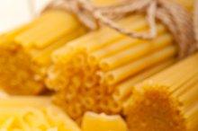 Italian raw pasta 044.jpg