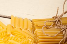 Italian raw pasta 051.jpg
