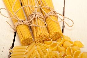 Italian raw pasta 060.jpg