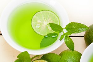 mint tea infusion with lime 059.jpg