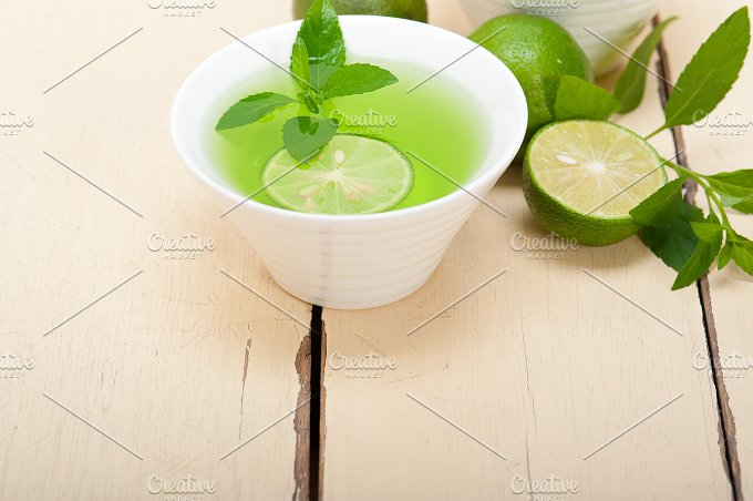 mint tea infusion with lime 003.jpg - Food & Drink