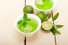 mint tea infusion with lime 006.jpg