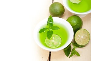 mint tea infusion with lime 009.jpg
