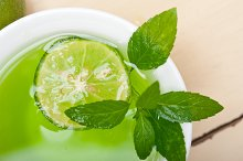 mint tea infusion with lime 012.jpg