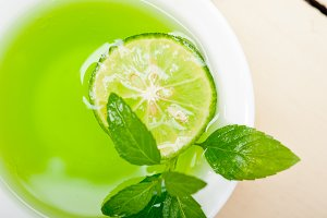 mint tea infusion with lime 013.jpg