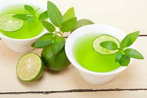 mint tea infusion with lime 016.jpg