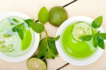 mint tea infusion with lime 021.jpg