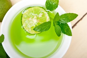 mint tea infusion with lime 019.jpg