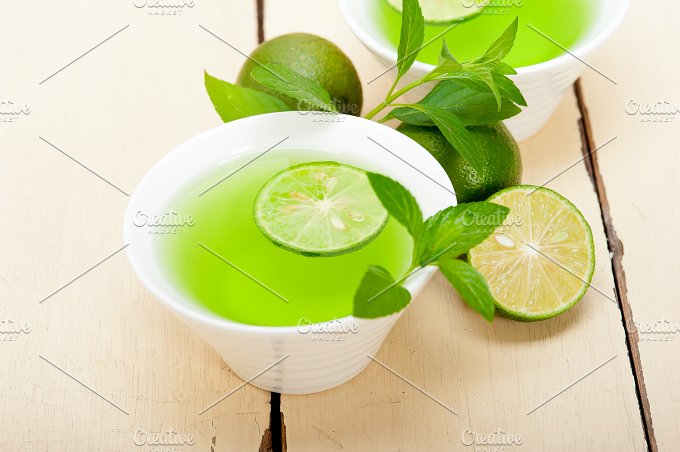 mint tea infusion with lime 023.jpg - Food & Drink