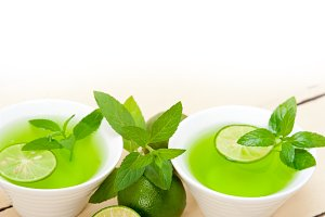 mint tea infusion with lime 022.jpg