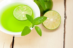 mint tea infusion with lime 027.jpg