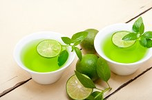 mint tea infusion with lime 030.jpg