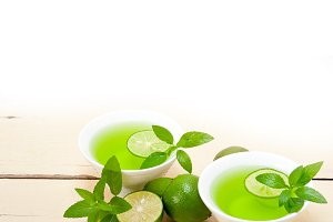 mint tea infusion with lime 032.jpg