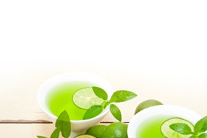 mint tea infusion with lime 031.jpg