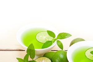 mint tea infusion with lime 034.jpg