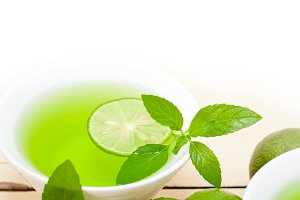 mint tea infusion with lime 035.jpg