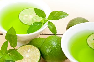 mint tea infusion with lime 036.jpg