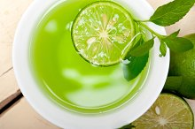 mint tea infusion with lime 040.jpg